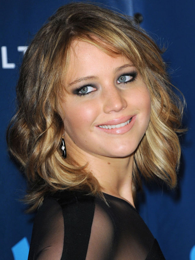 Awesome Look Jennifer Lawrence Cut Her Hair Into A Long Wavy Bob Short Hairstyles For Black Women Fulllsitofus