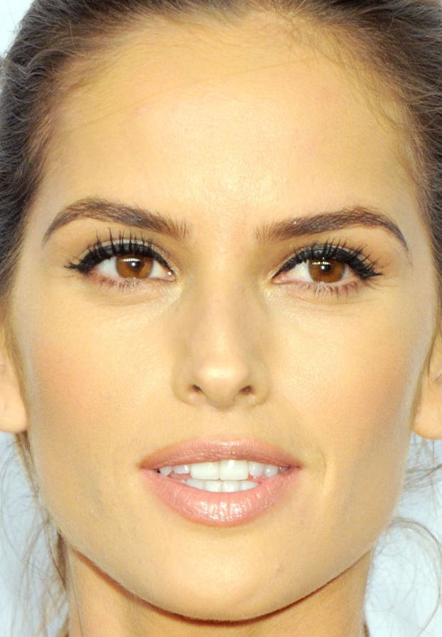 Izabel Goulart Makeup The Best Beauty at the...