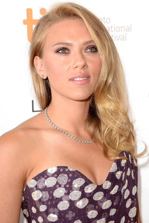 Scarlett Johansson Under The Skin Nude Video