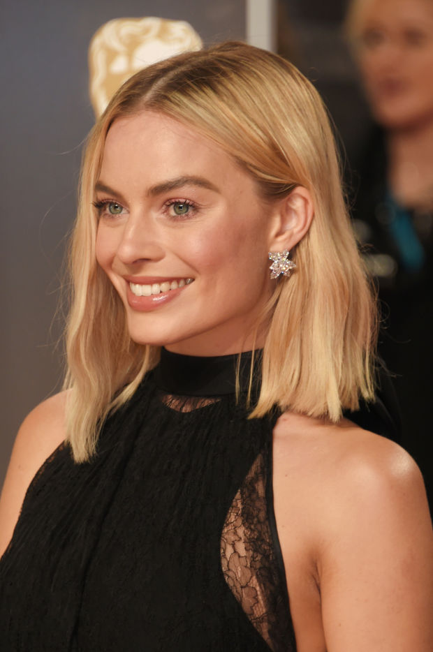 women medium length haircuts 16 of the best looks at the baftas beautyeditor 4242 | margot robbie british academy film awards 2018