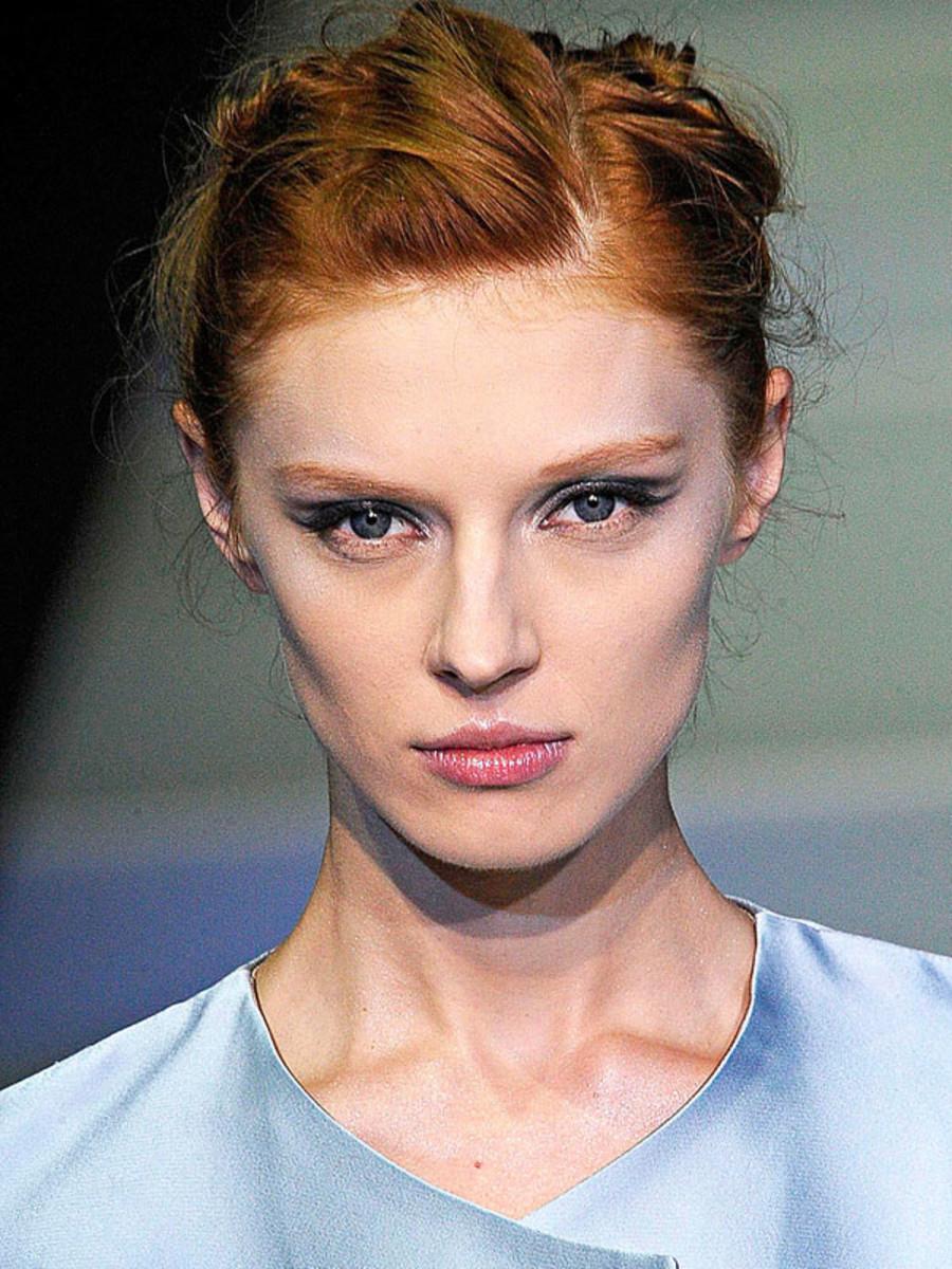 Giorgio-Armani-Spring-2012-beauty-2