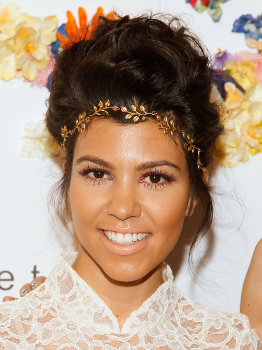Kourtney-Kardashian-at-Alice-+-Olivia-Spring-2012
