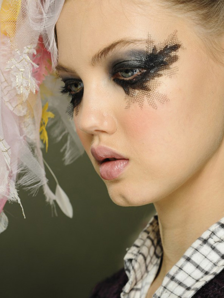 Chanel - Spring 2013 Couture makeup