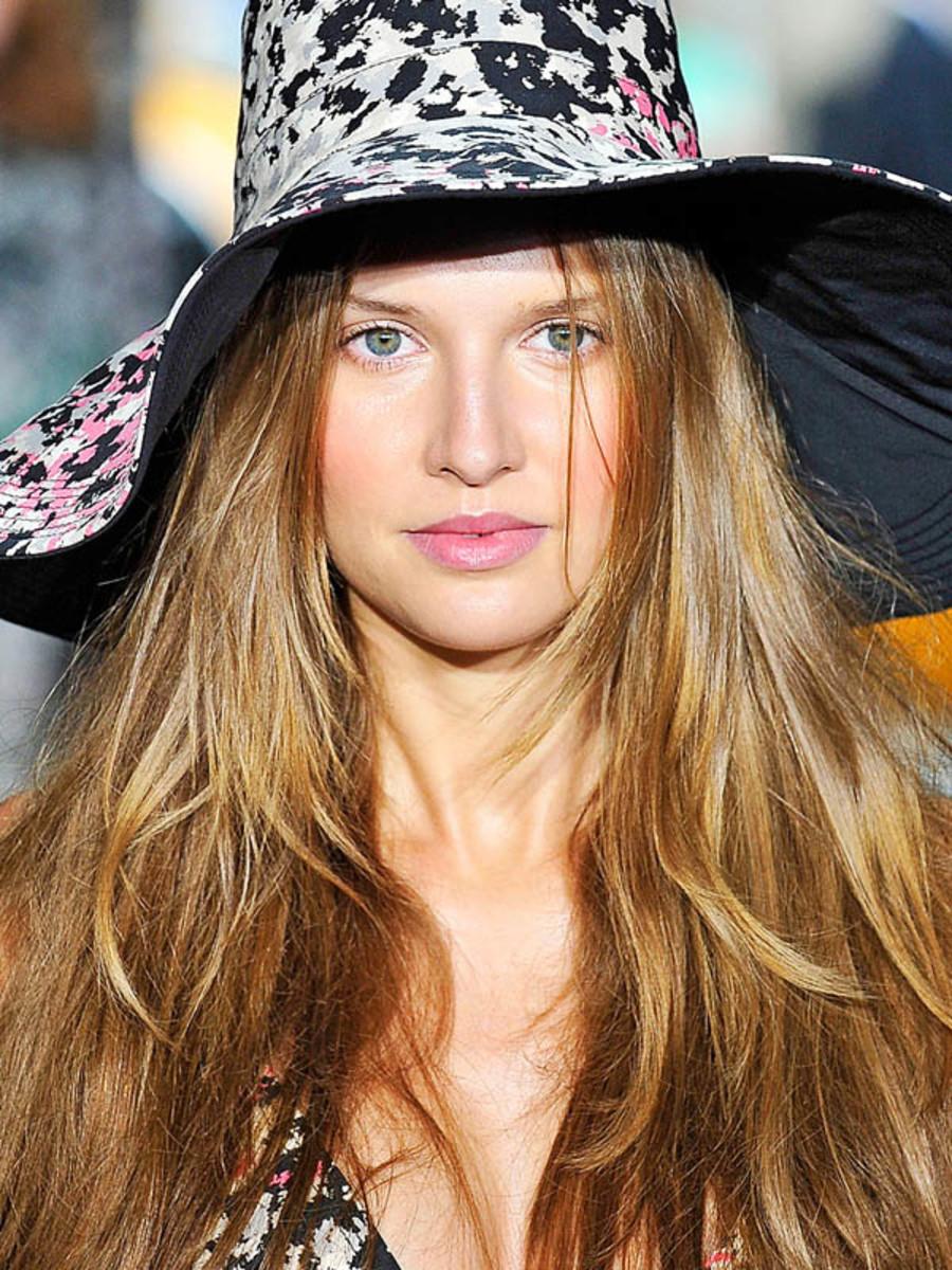 DKNY - Spring 2012 beauty
