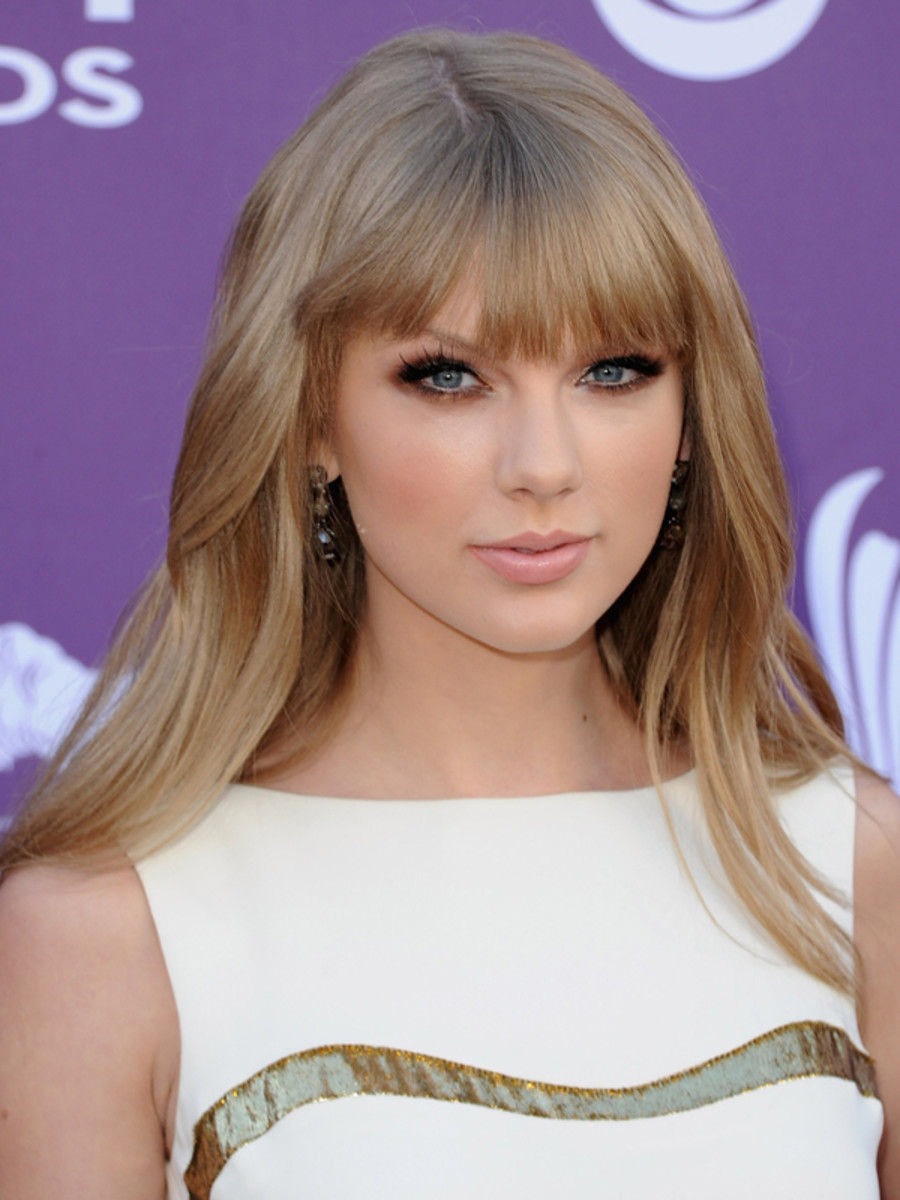 Taylor-Swift-ACM-Awards-2012