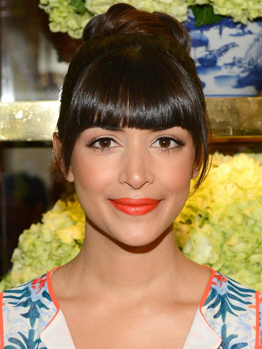 Hannah Simone orange lipstick