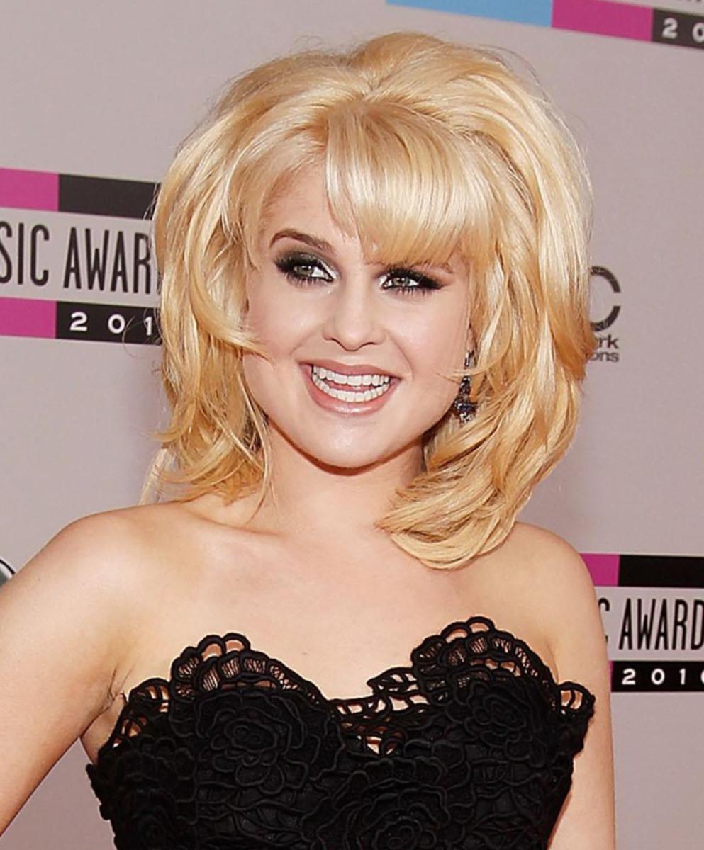 Kelly-Osbourne-2010-AMAs