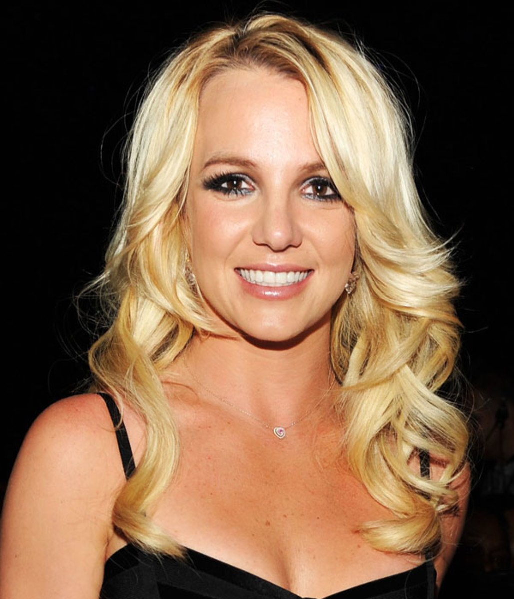 Britney-Spears-Billboard-Music-Awards-2011