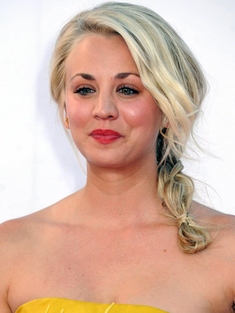 Kaley Cuoco - Emmy Awards 2012