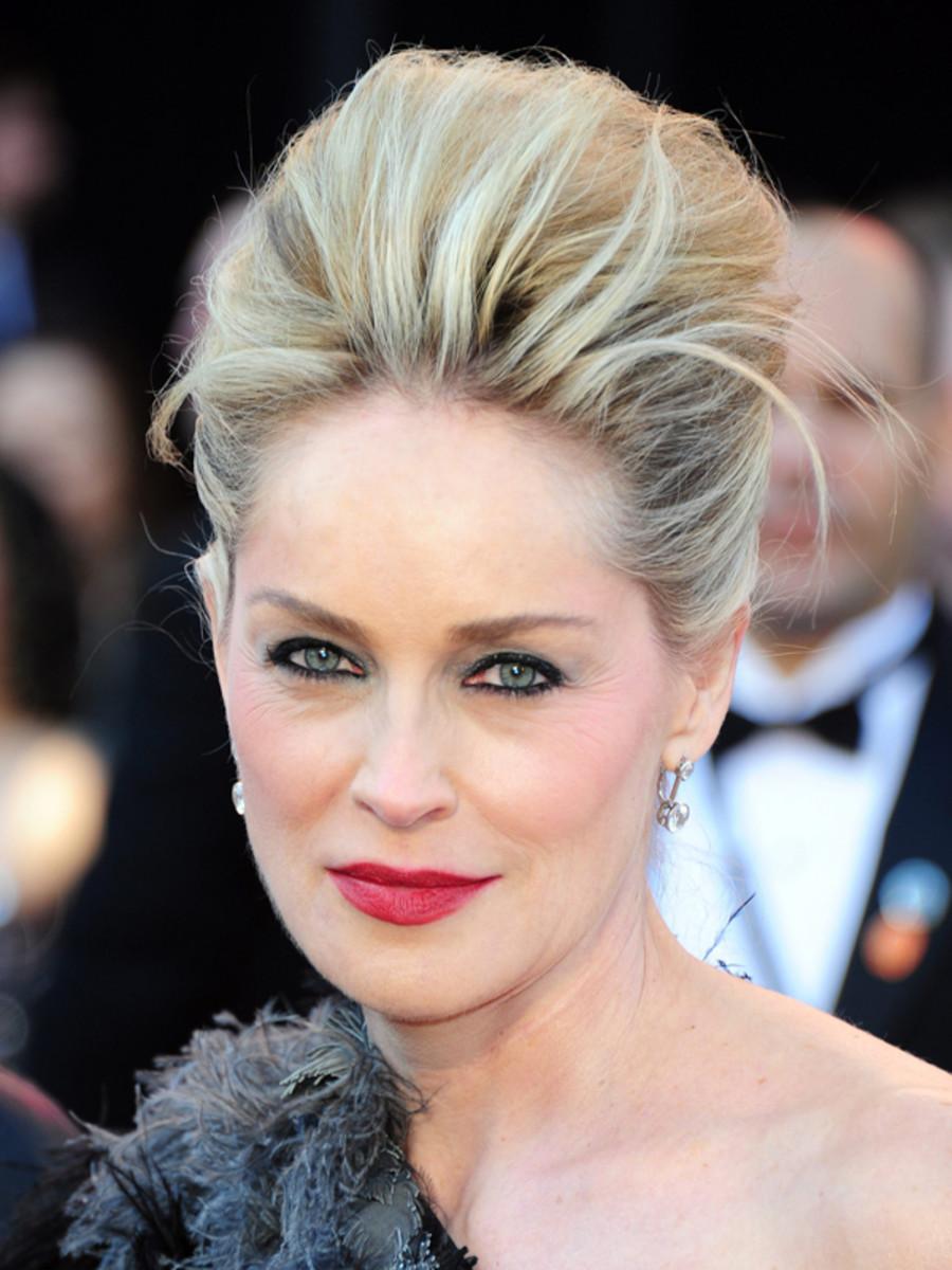 Sharon-Stone-2011-Oscars