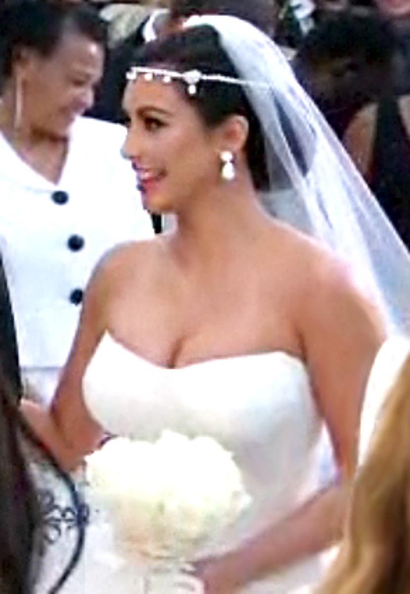 Kim-Kardashian-wedding-dress