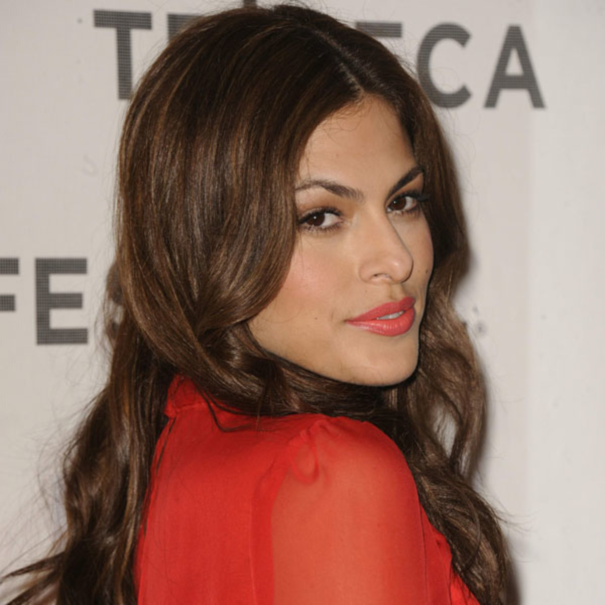 Eva-Mendes-Last-Night-premiere