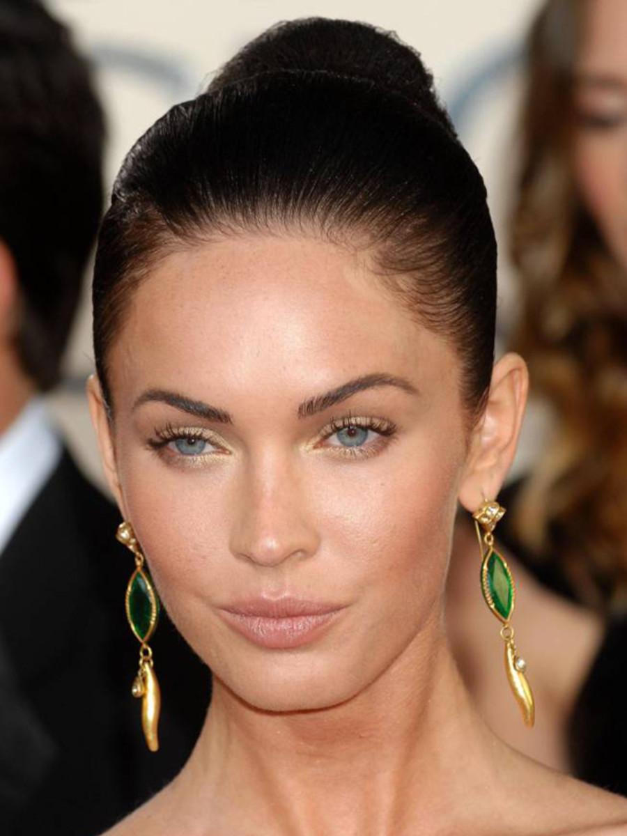 Megan Fox - skinny eyebrows