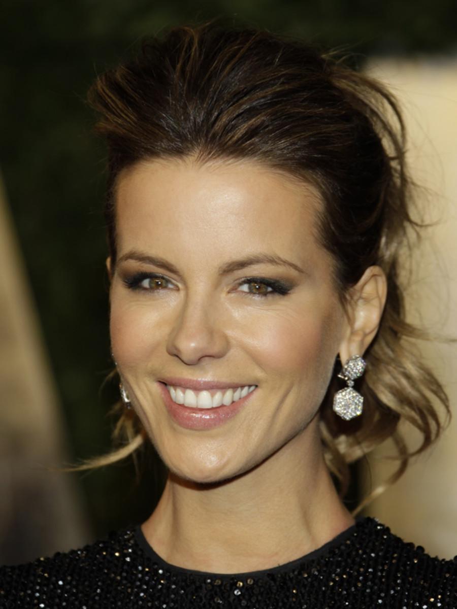 Kate-Beckinsale-2011-Vanity-Fair-Oscar-Party
