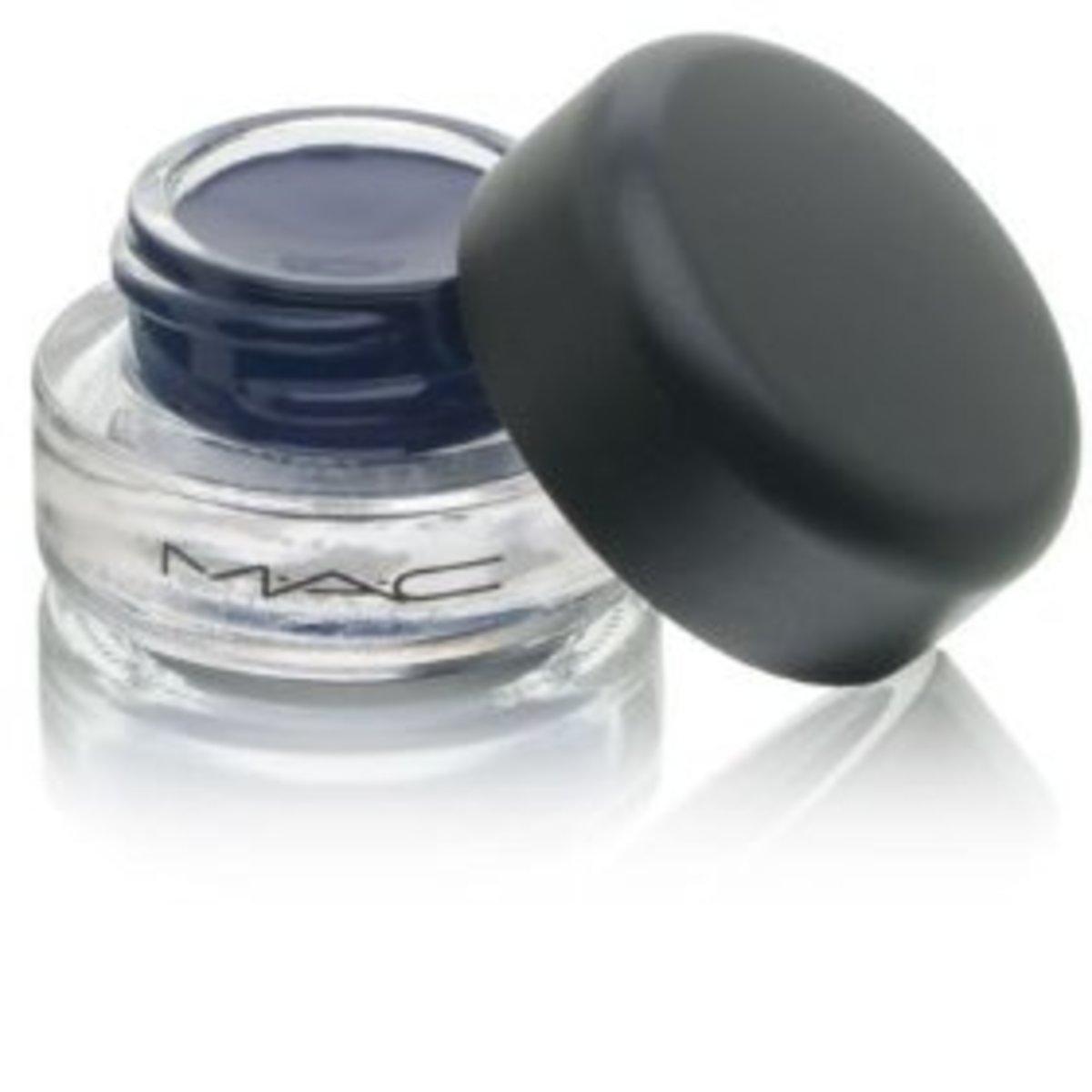 MAC-Fluidline-Gel-Eyeliner