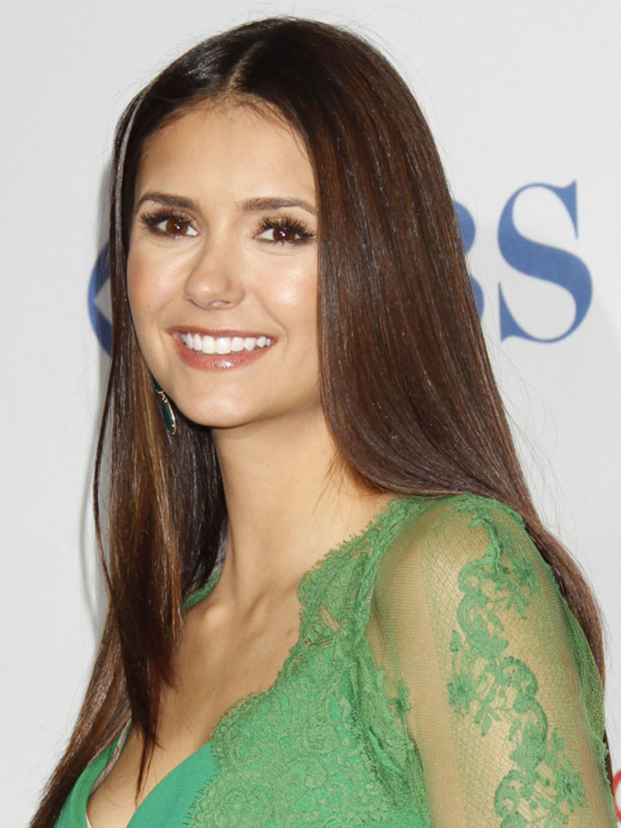 Peoples-Choice-Awards-2012-Nina-Dobrev