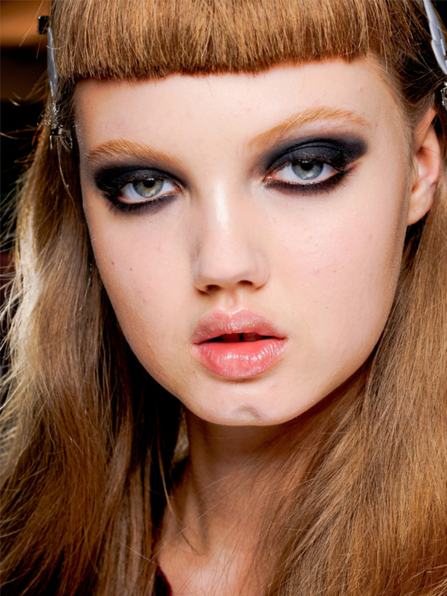 Versace - Fall 2012 makeup