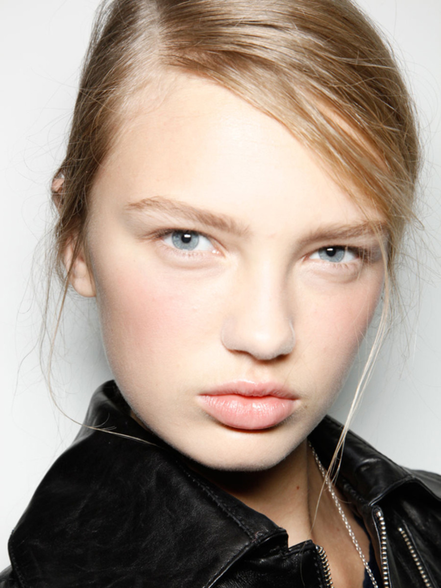 Christopher Kane - Spring 2012 beauty