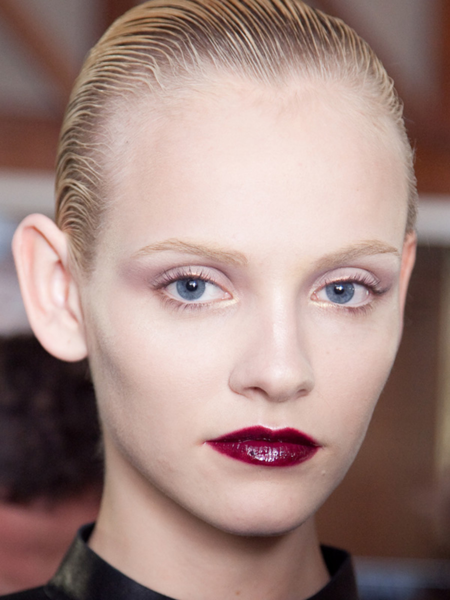 Yves-Saint-Laurent-FW12-makeup