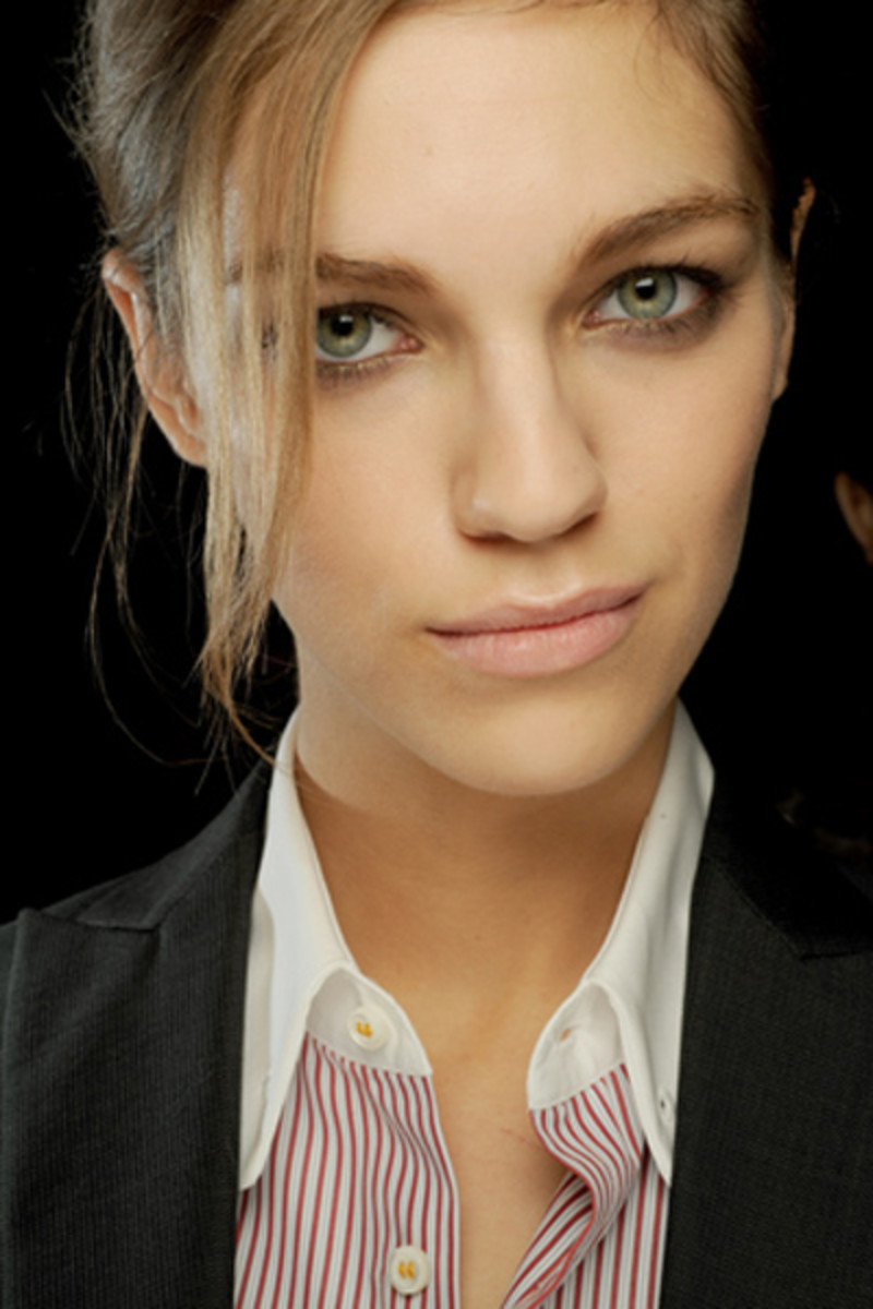 DSquared-SS-2011-beauty