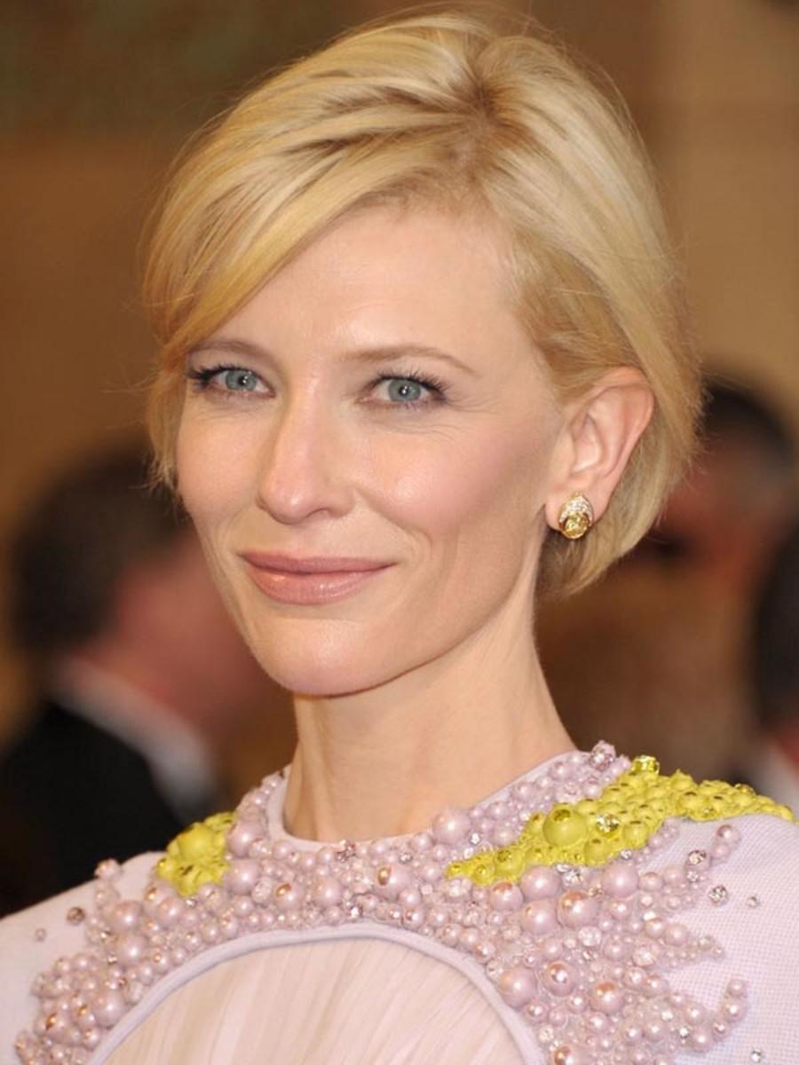 Cate-Blanchett-2011-Oscars