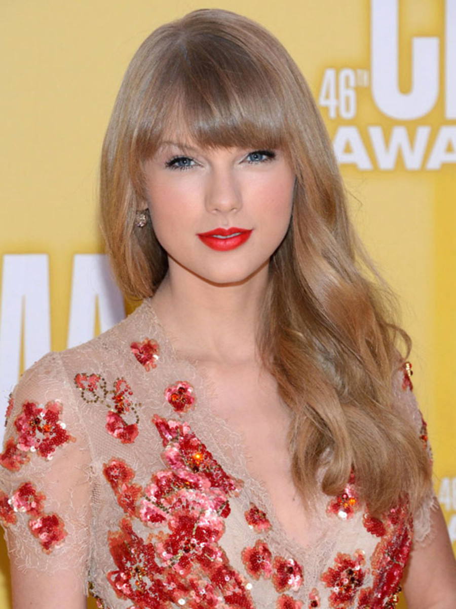 Taylor Swift - CMA Awards 2012
