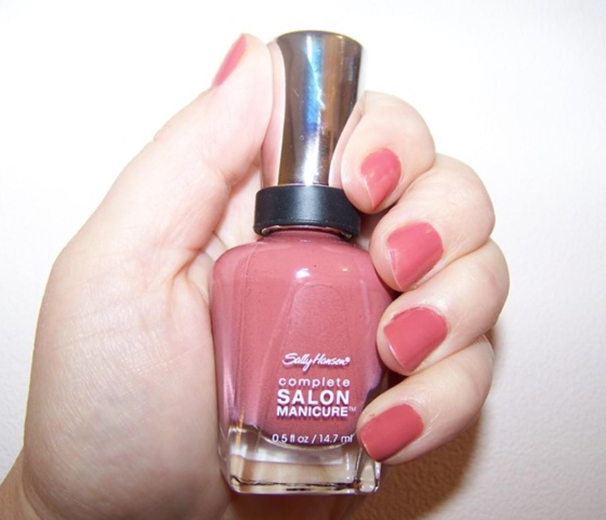 Sally-Hansen-nail-polish-2