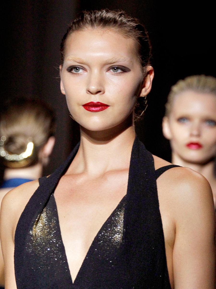 Yves-Saint-Laurent-Spring-2012-beauty-3