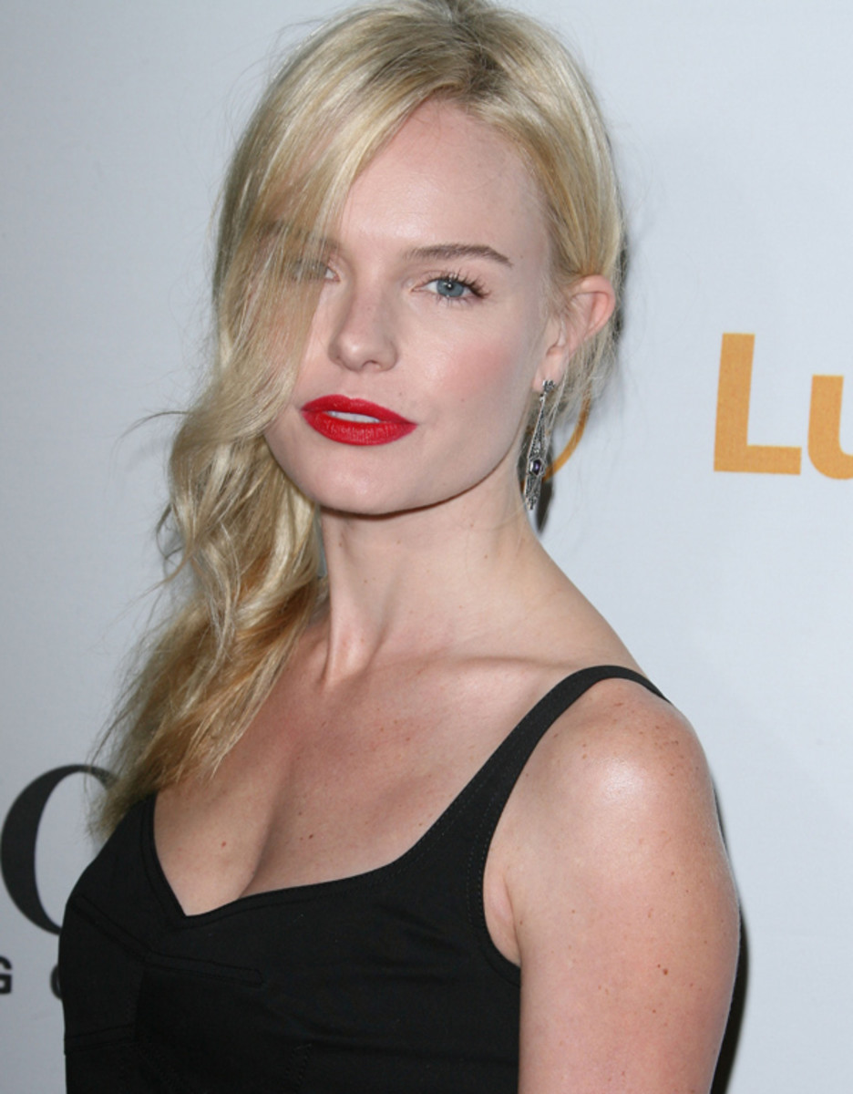 Kate-Bosworth-red-lipstick-2010