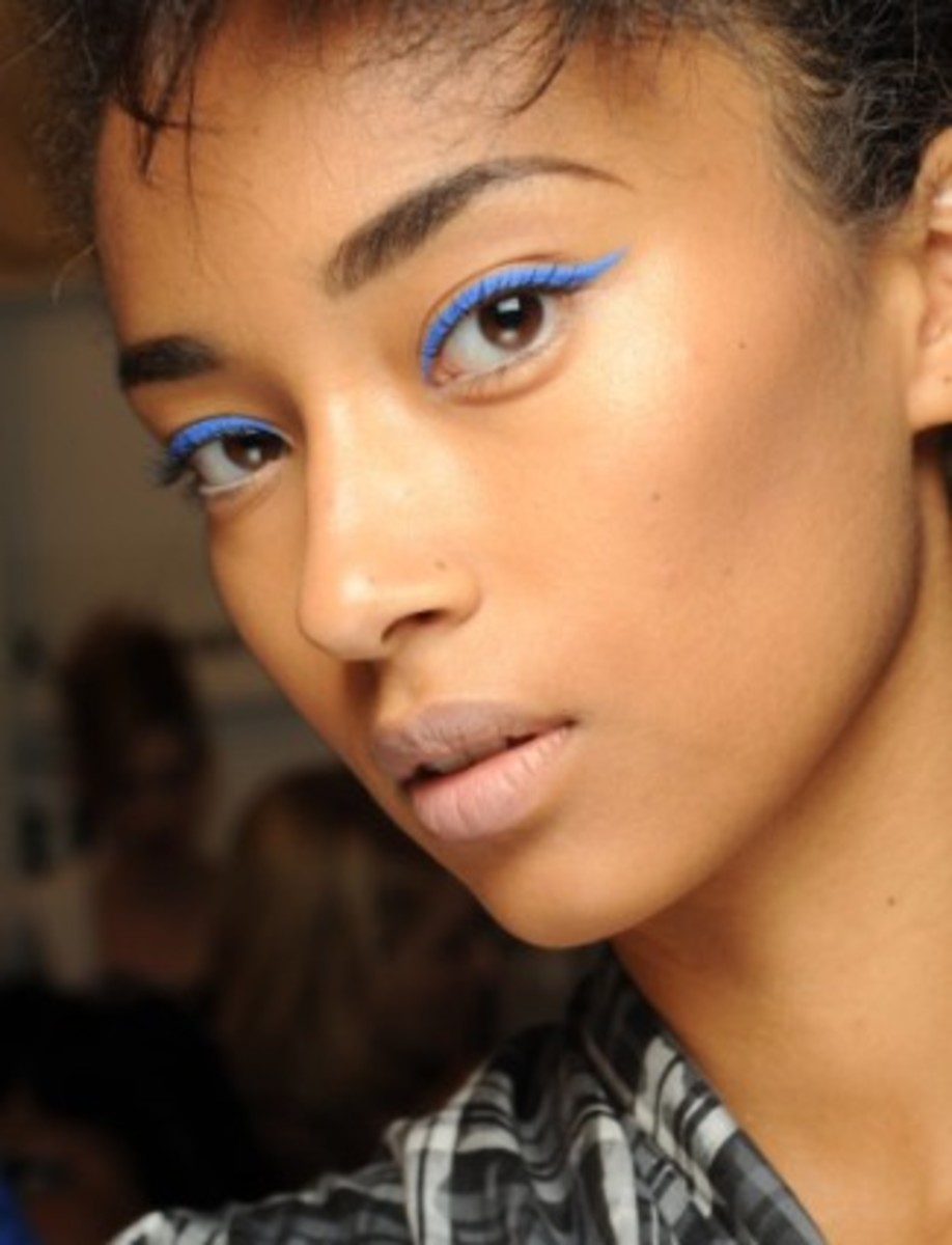 LAMB-blue-eyeliner