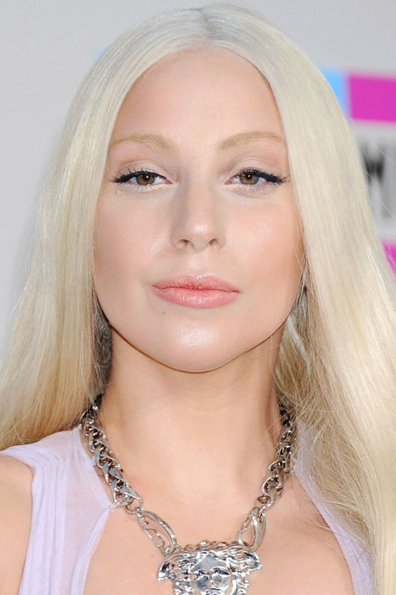Lady Gaga before and after: American Music Awards, 2013