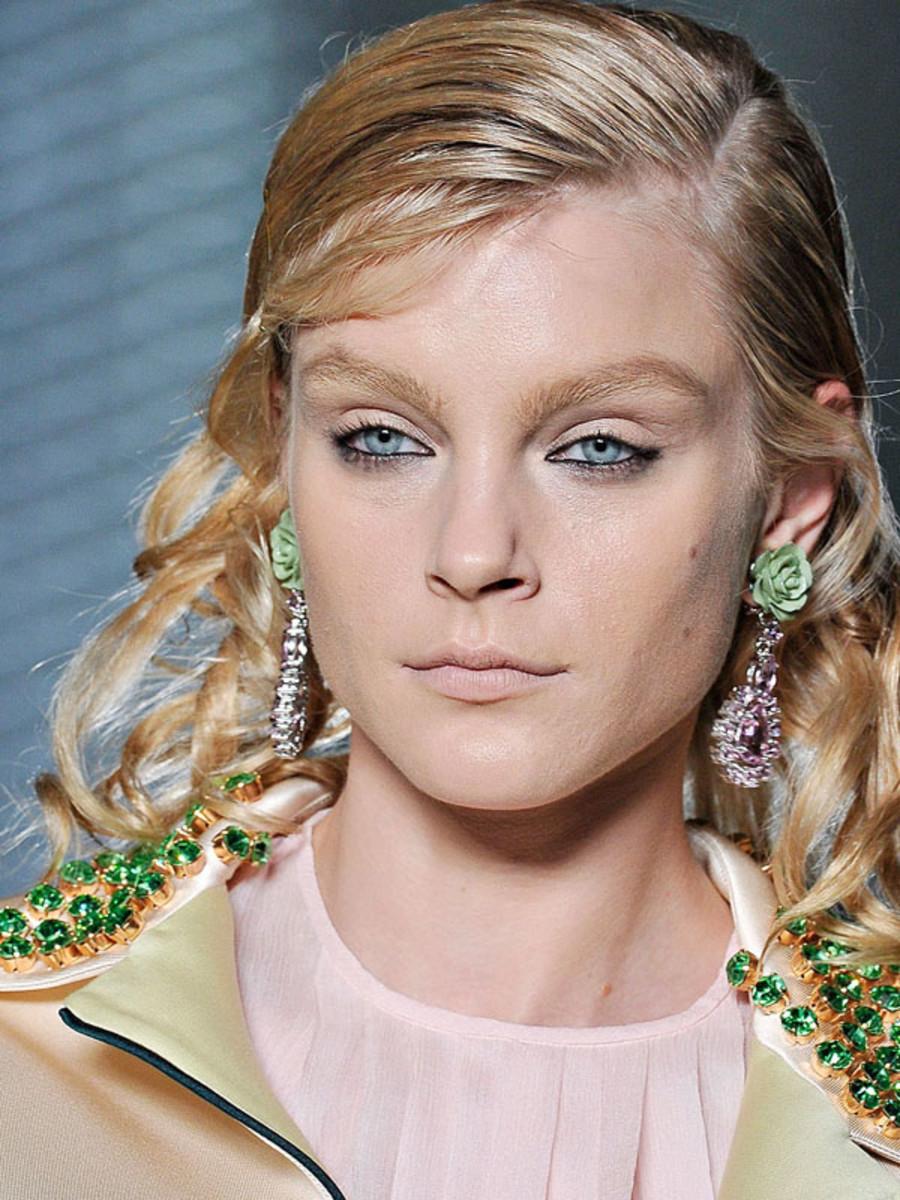 Prada-Spring-2012-beauty-2