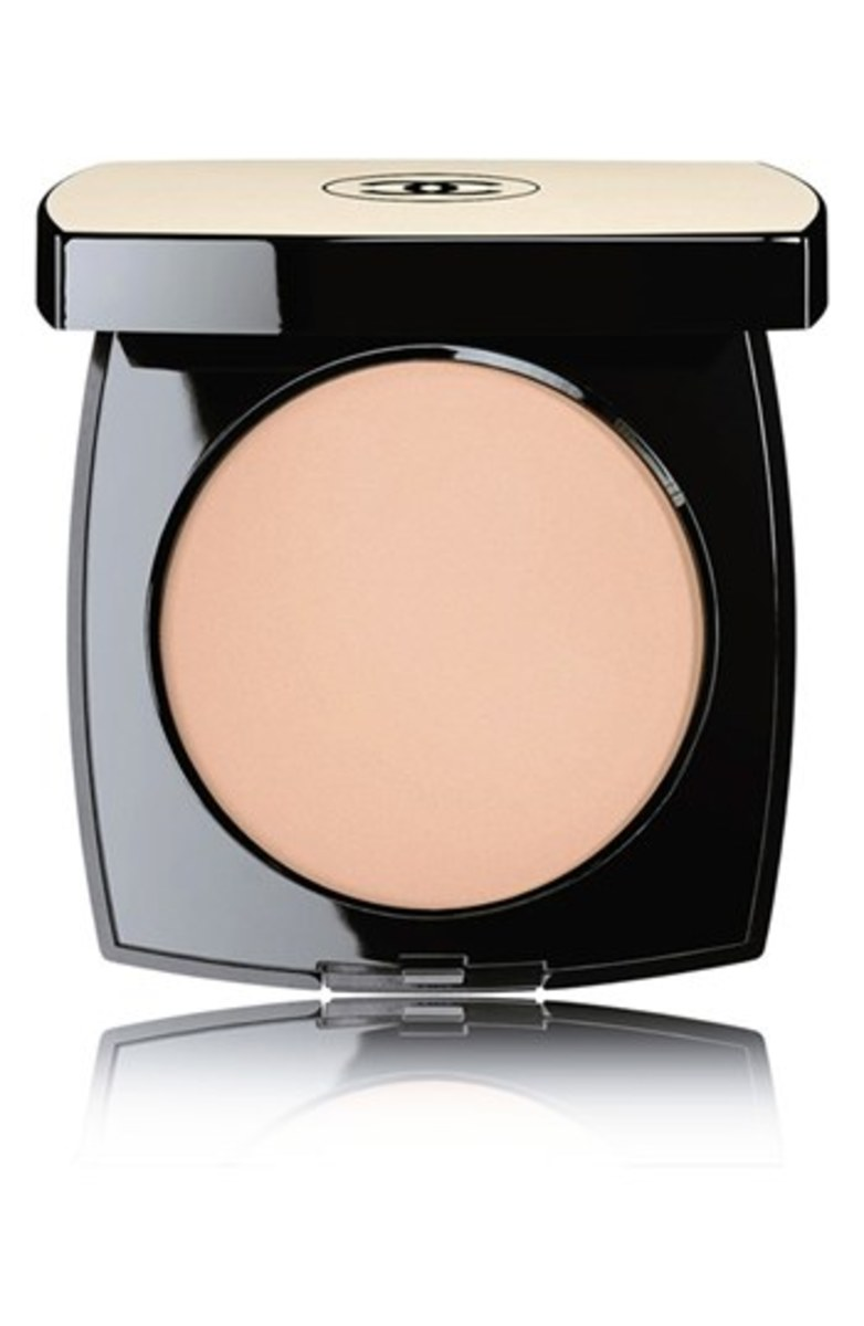 Chanel Les Beiges Healthy Glow Sheer Colour SPF 15 in 10