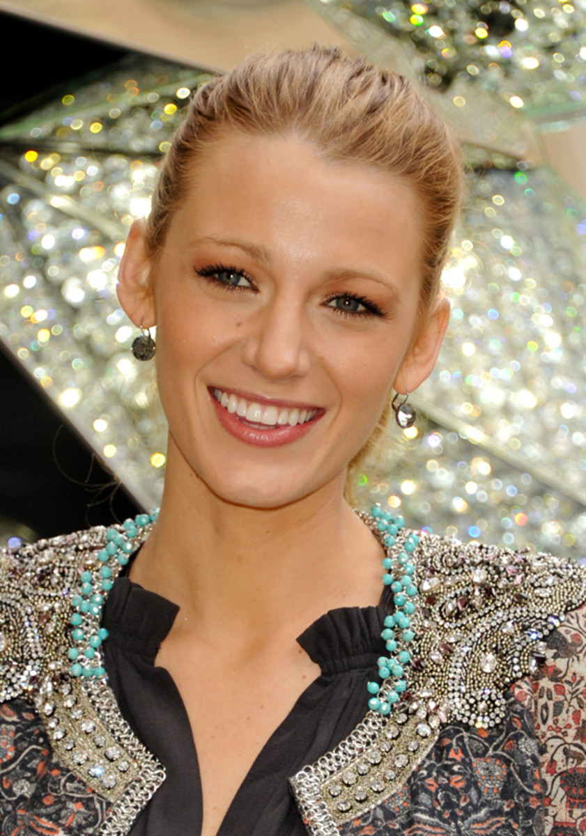 Blake-Lively-eyeshadow-Nov-2010