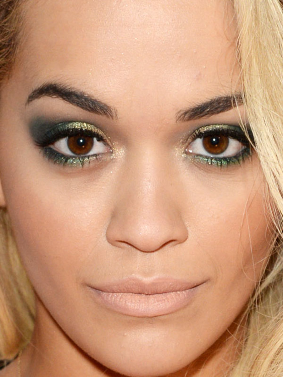 Rita Ora, BRIT Awards 2014 (close-up)