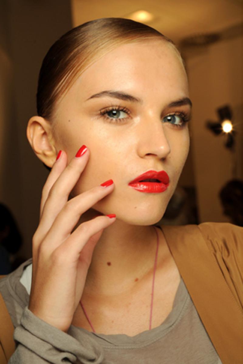 Gucci-SS-2011-makeup-4