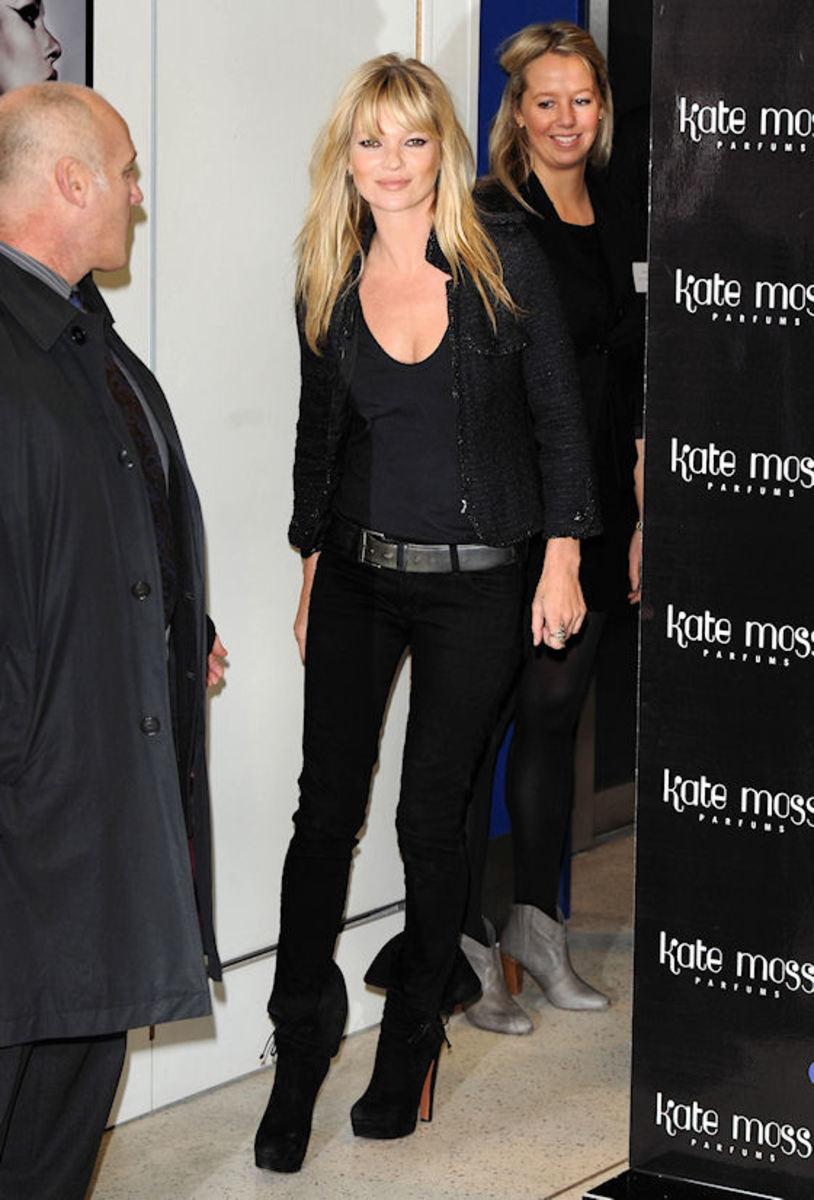 Kate-Moss-blonde-hair-bangs