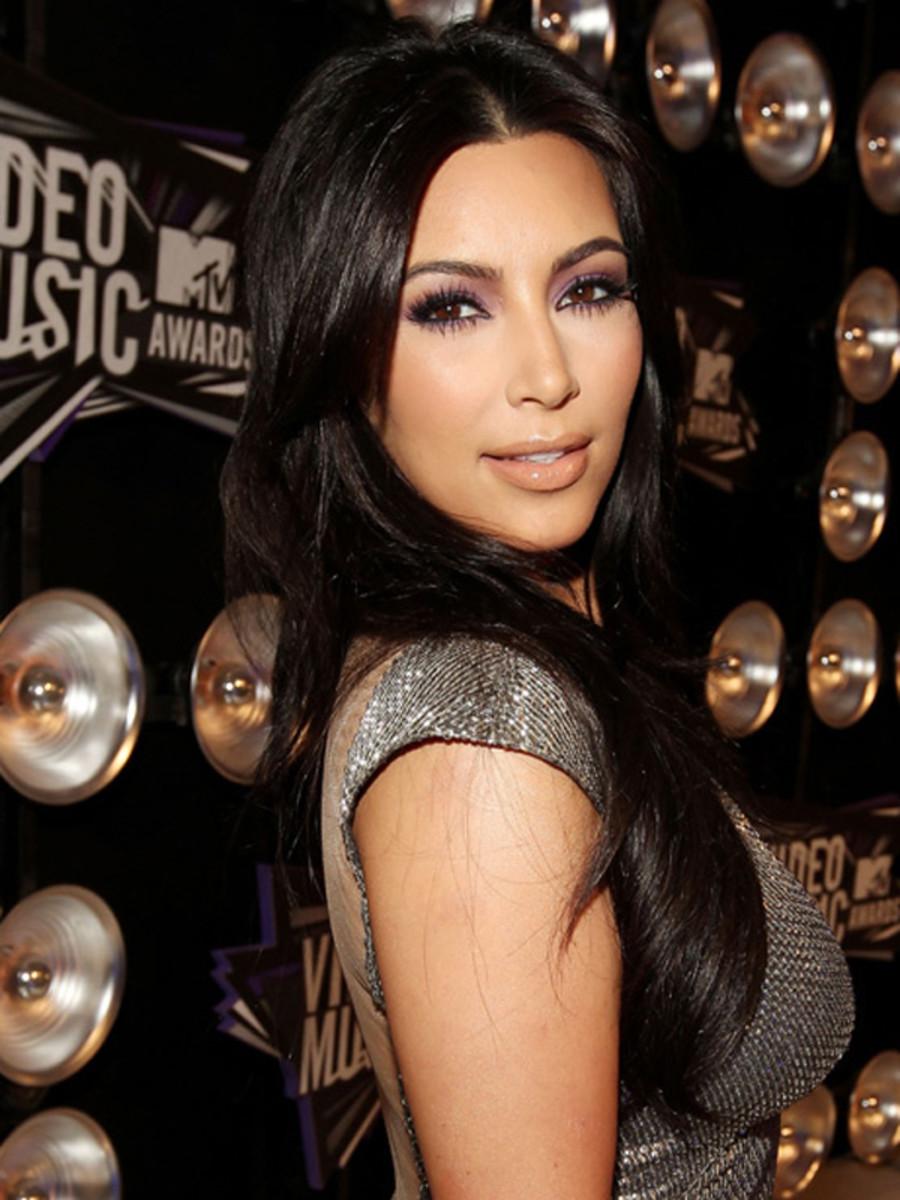 VMAs-2011-Kim-Kardashian