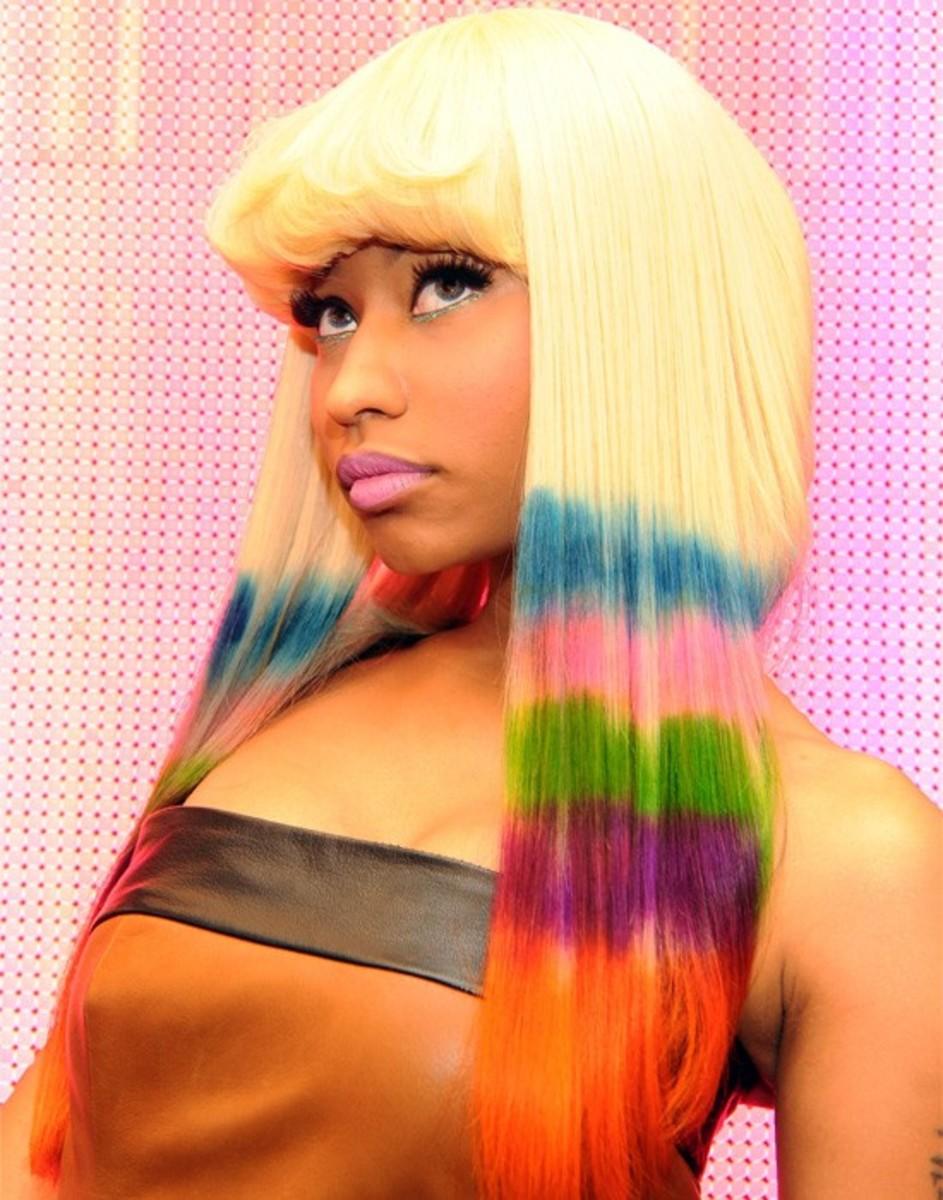 Nicki-Minaj-rainbow-hair