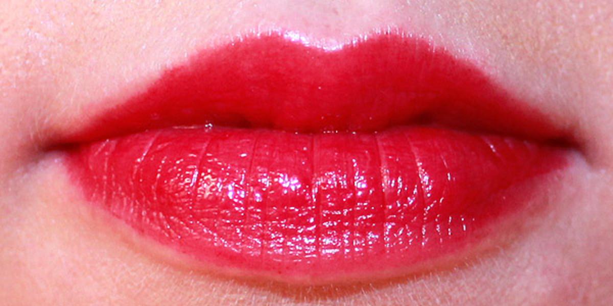 Revlon ColorBurst Lacquer Balm in Flirtatious