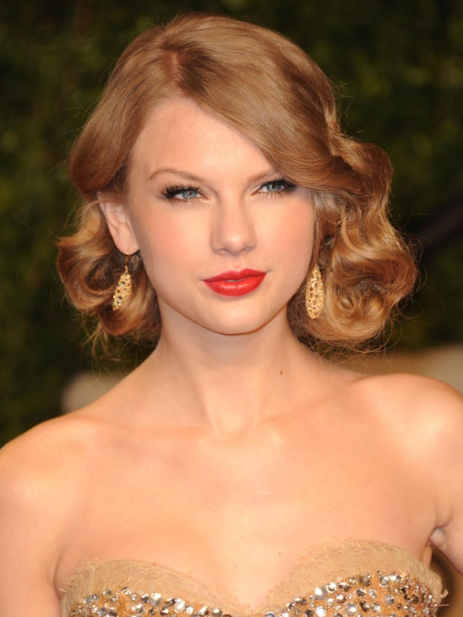 Taylor-Swift-2011-Vanity-Fair-Oscar-Party