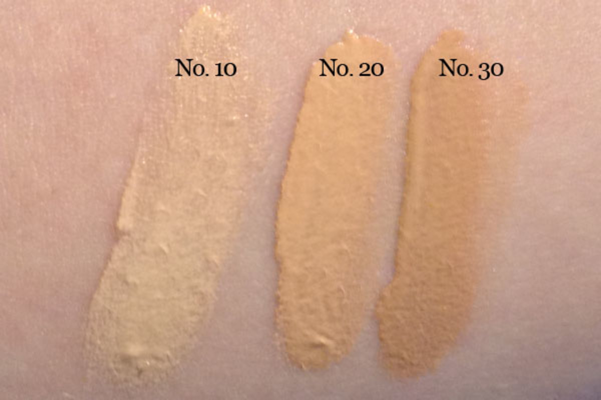 Chanel Les Beiges Healthy Glow Fluid (swatch)