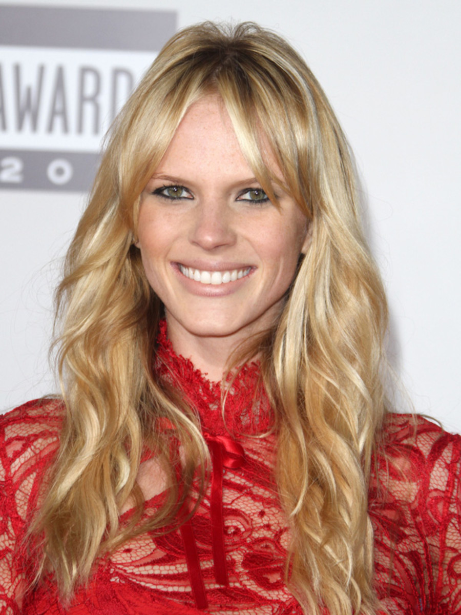 Anne-Vyalitsyna-2011-American-Music-Awards