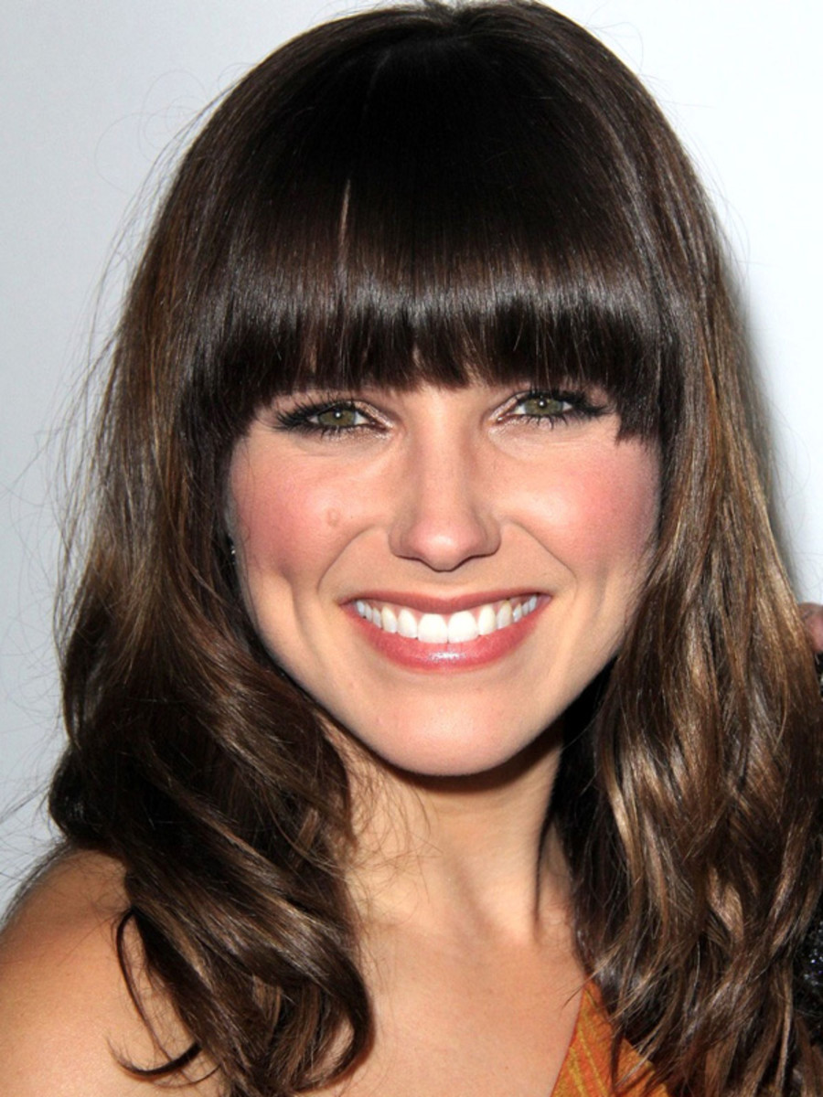 Sophia Bush pear face bangs