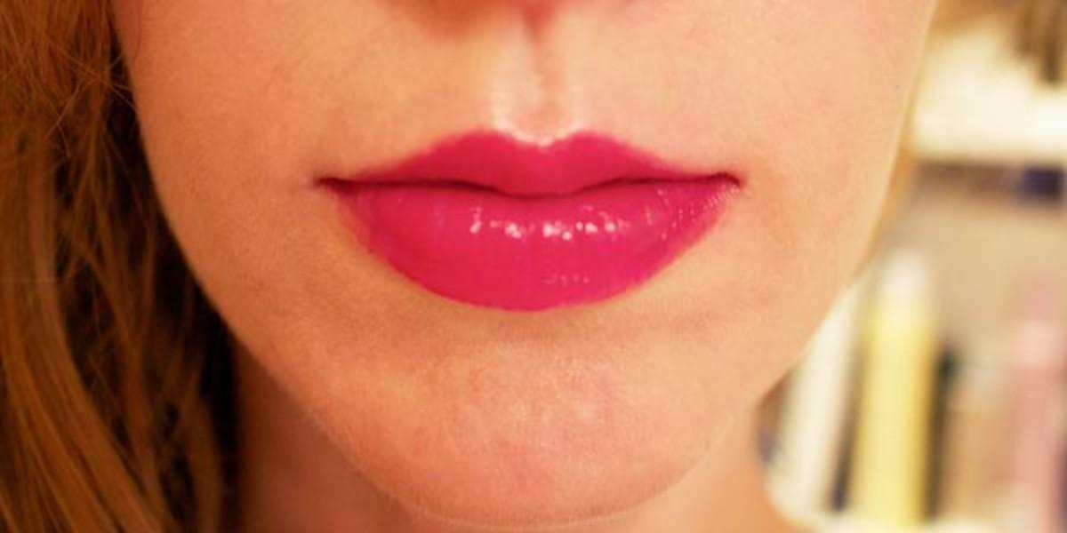 Sisley Phyto-Lip Twist in 5 Berry (on lips)