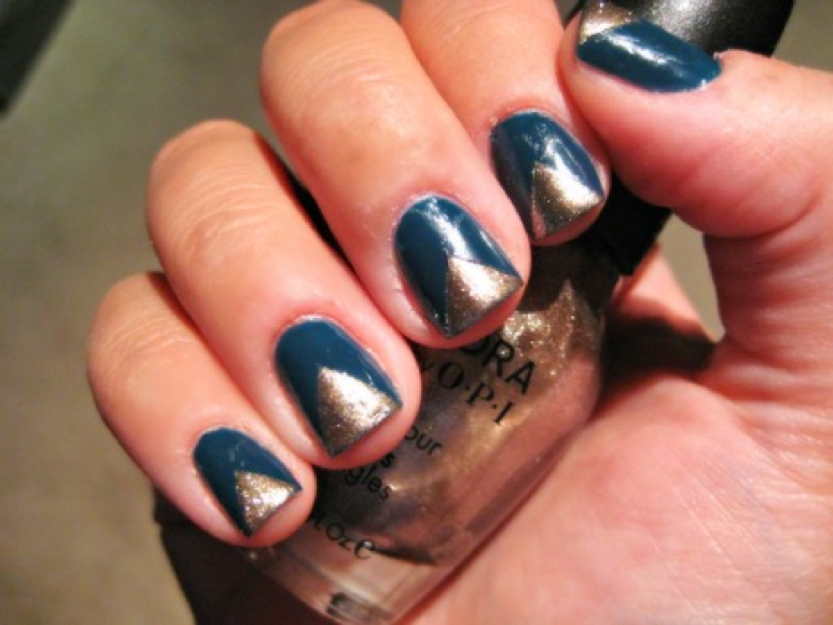 Edgy French manicure - final