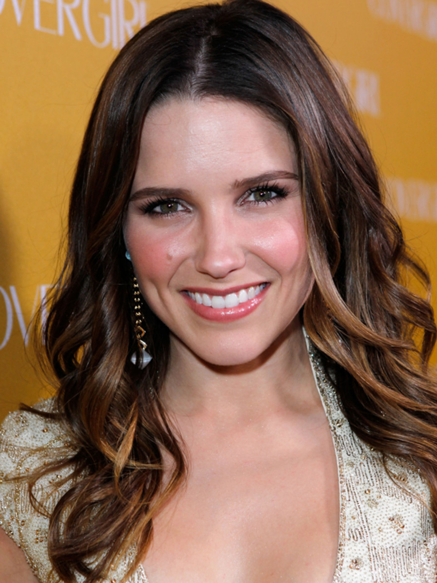 Sophia-Bush-CoverGirl-50th-anniversary-party