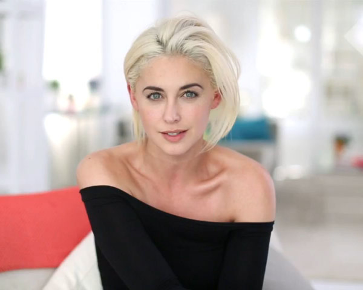 How and why i went platinum blonde at home beautyeditor erika bearman platinum blonde hair urmus Image collections