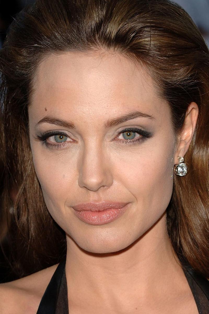 Angelina Jolie, Mr. and Mrs. Smith, 2005