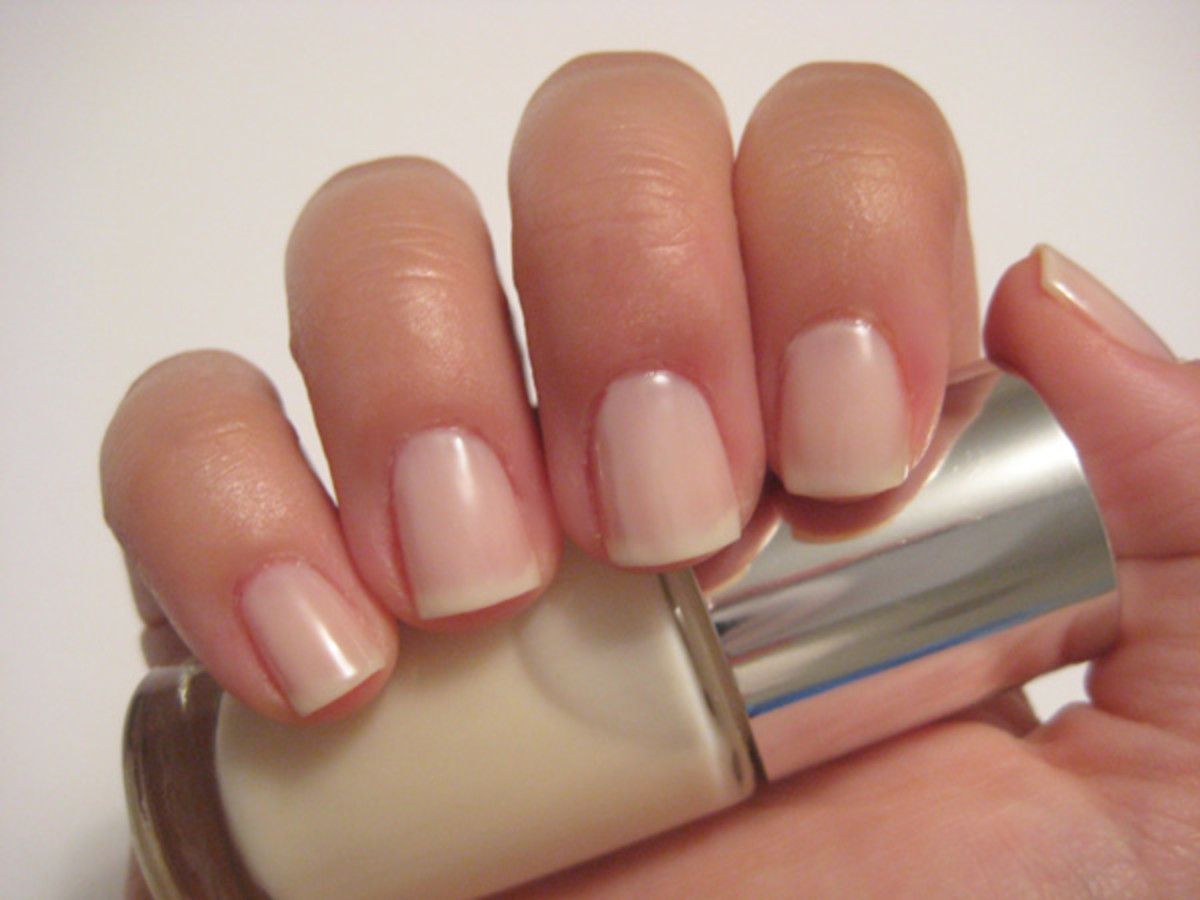 Clinique Sensitive Nail Polish - Call My Buff